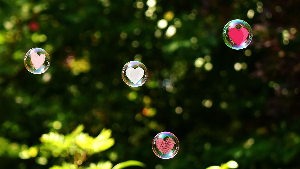 Bubbels met hartjes erin