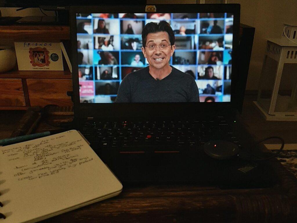 Dean Graziosi op het laptopscherm